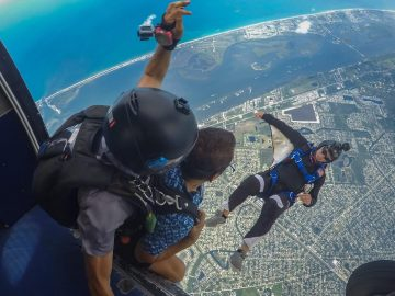 Camera jacket skydiving
