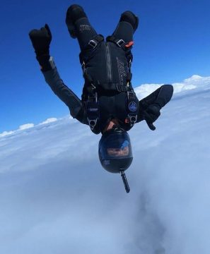 Tight fit freefly suit