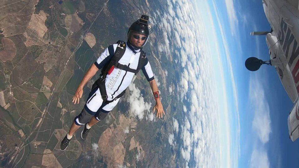 Skydiving shorty jumpsuit tracking